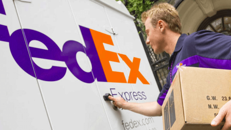 FedEx package agent